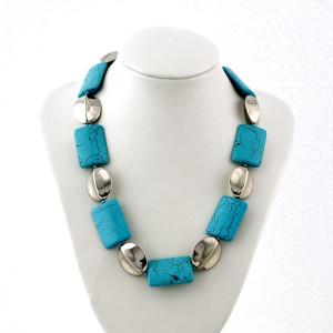 Collier pierres couleur turquoise