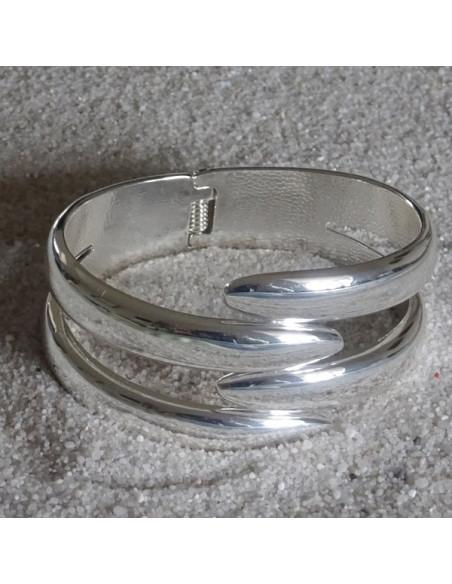 Bracelet en métal argenté design,aux pointes imbriquées