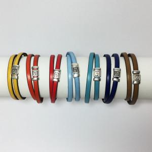Bracelet cuir avec passant plaqué argent et fermoir magnétique