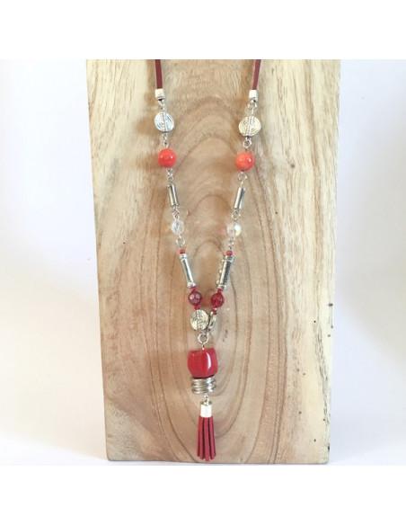 Collier sautoir pierre corail et perles sur lien de cuir rouge